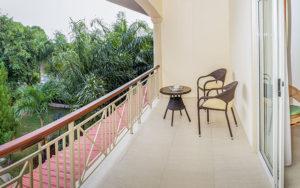 MLS_bed-breakfast-accommodation-seychelles_double-room-bnb_slider_05