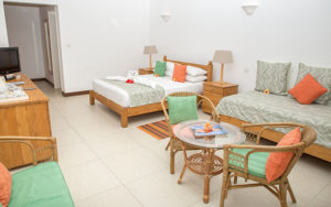 MLS_bed-breakfast-accommodation-seychelles_family-room-bnb_slider_(11)