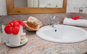 MLS_bed-breakfast-accommodation-seychelles_family-room-bnb_slider_(3)