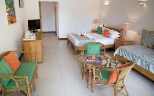 MLS_bed-breakfast-accommodation-seychelles_family-room-bnb_slider_(8)