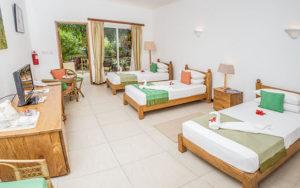 MLS_bed-breakfast-accommodation-seychelles_triple-room-bnb_slider_01