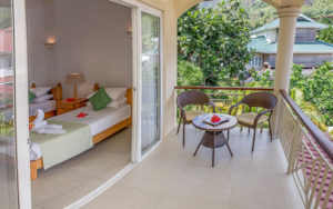 MLS_bed-breakfast-accommodation-seychelles_twin-room-bnb_slider_01