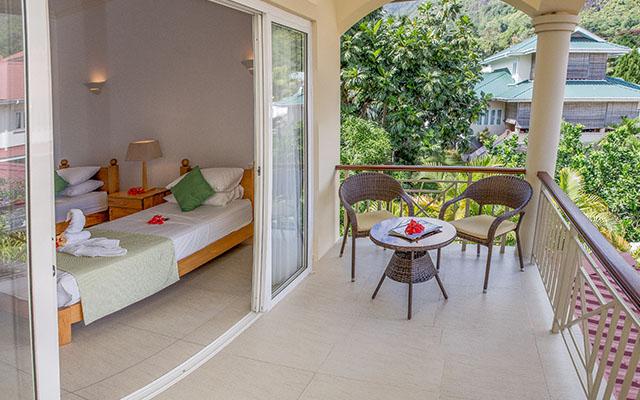 MLS_bed-breakfast-accommodation-seychelles_twin-room-bnb_slider_01