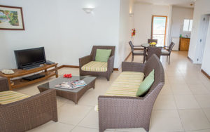 Self-Catering-accommodation-seychelles_one_bedroom_deluxe_slider (1)