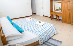 Self-Catering-accommodation-seychelles_one_bedroom_deluxe_slider (3)