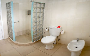 Self-Catering-accommodation-seychelles_one_bedroom_double_ (11)
